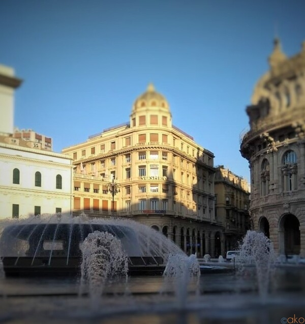 ジェノヴァ旅行に来たら、まずはココ!フェッラーリ広場|イタリア観光ガイド