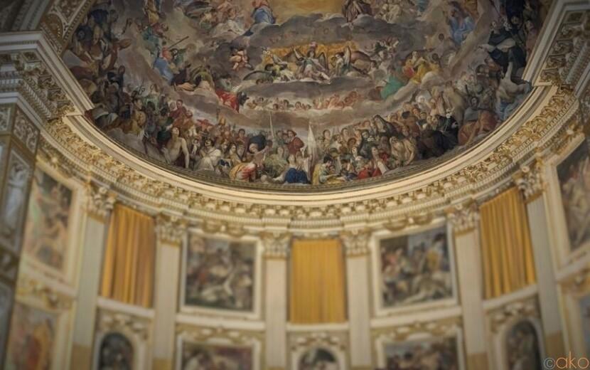 隠れ家みたい!ローマ、サンティ・クアットロ・コロナ―ティ聖堂|イタリア観光ガイド