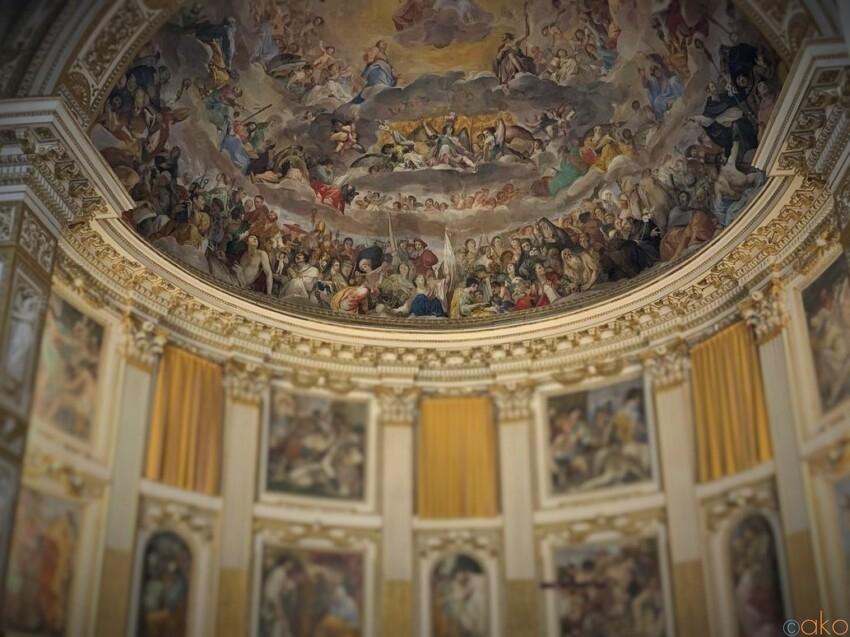 隠れ家みたい!ローマ、サンティ・クアットロ・コロナ―ティ聖堂 イタリア観光ガイド