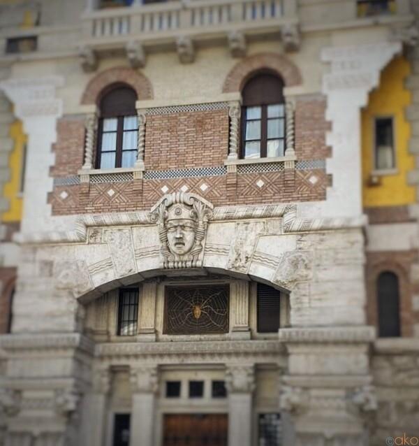 ローマらしからぬおとぎの世界、ミンチョ広場|イタリア観光ガイド