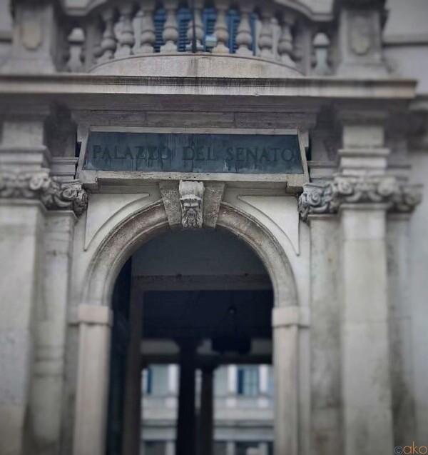 かつての行政の中心。ミラノ、パラッツォ・デル・セナート|イタリア観光ガイド