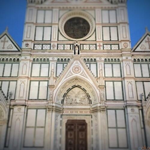 此処に行かなきゃはじまらない!フィレンツェ、サンタ・クローチェ聖堂|イタリア観光ガイド
