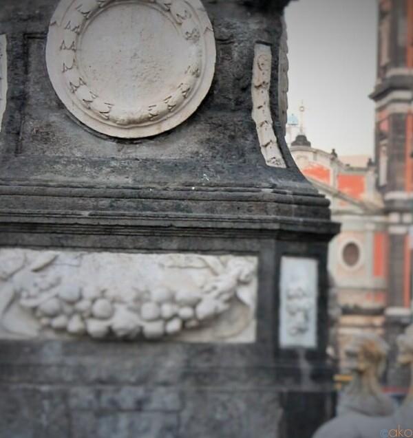 ナポリの歴史が動いた場所。メルカート広場|イタリア観光ガイド