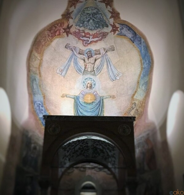 モザイクが綺麗。ローマ、サンタ・マリア・リベラトリーチェ教会|イタリア観光ガイド