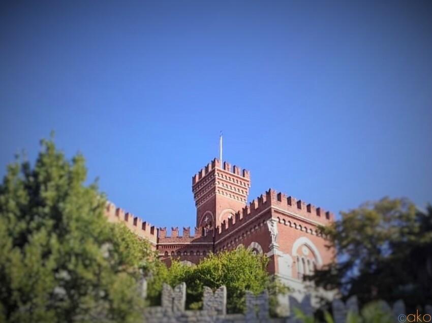 本日も絶景ナリ。ジェノヴァの山の上に立つ、ダルベルティス城 イタリア観光ガイド