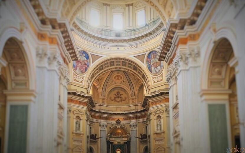 ナポリでバチカン旅行を楽しめる!?戴冠聖母の大聖堂|イタリア観光ガイド