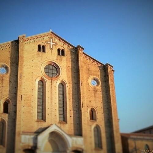 ダイナミックスケール!ボローニャ、サン・フランチェスコ聖堂|イタリア観光ガイド