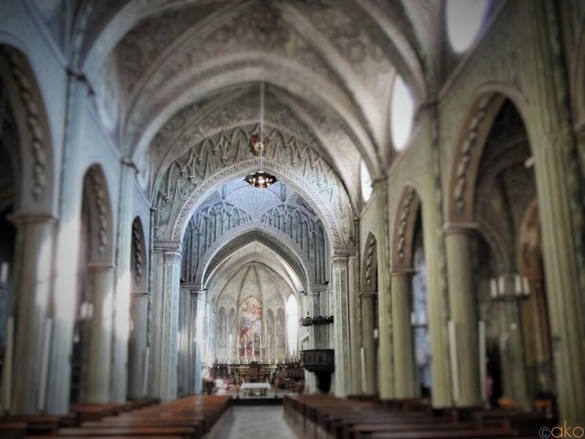 眩いばかりのだまし絵の世界。ピエモンテ州、ビエッラ大聖堂 イタリア観光ガイド
