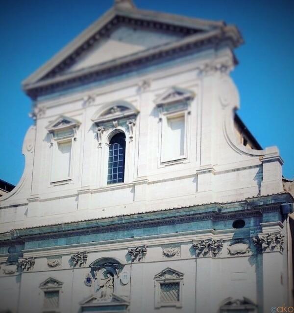 好立地!ローマ、サンタ・マリア・イン・トラスポンティーナ教会|イタリア観光ガイド