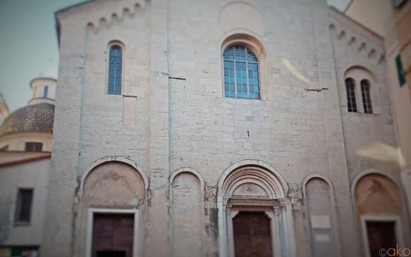長大な歴史あり。ジェノヴァ、サンタ・マリア・ディ・カステッロ教会|イタリア観光ガイド