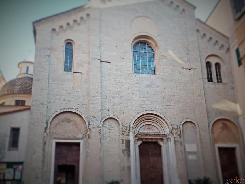 長大な歴史あり。ジェノヴァ、サンタ・マリア・ディ・カステッロ教会 イタリア観光ガイド