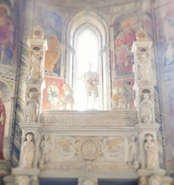 趣の異なる2つの神聖な場所。ナポリ、カラッチョロ礼拝堂|イタリア観光ガイド