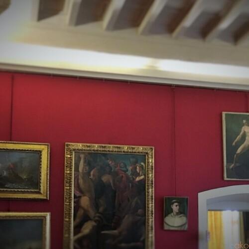 名家の宝物もお祭りアイテムも大集合!ピサ、王宮博物館|イタリア観光ガイド