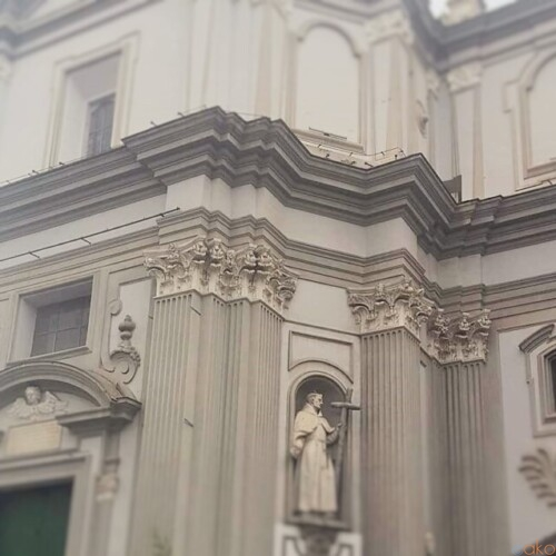 ナポリ有数のクーポラ!ナポリ、サンタ・マリア・デッラ・サニタ教会|イタリア観光ガイド