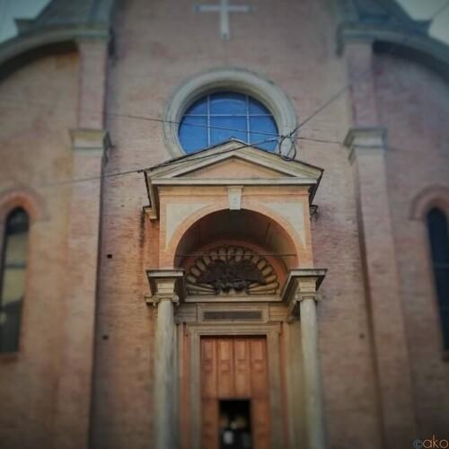 ここは山の上!?ボローニャ、サン・ジョヴァンニ・イン・モンテ教会|イタリア観光ガイド