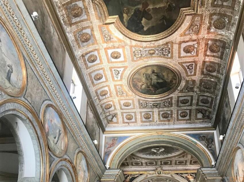 ソレントの守護聖人が眠る由緒正しき場所、サンタントニオ聖堂 イタリア観光ガイド