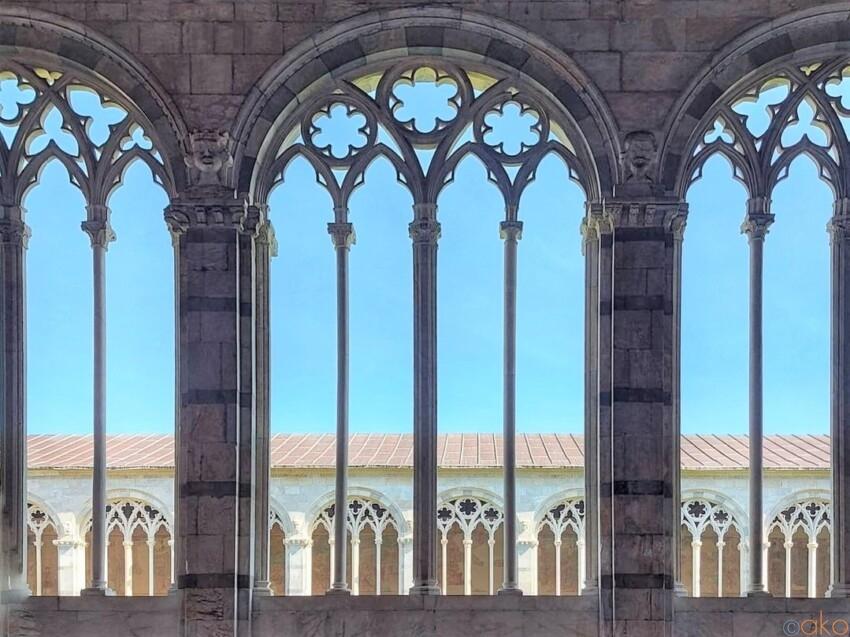 ピサの誇る、世界遺産。カンポサントは想像以上に満足度が高い! イタリア観光ガイド