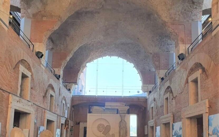 太古のショッピングモールに唖然。ローマ、 トラヤヌスの市場|イタリア観光ガイド