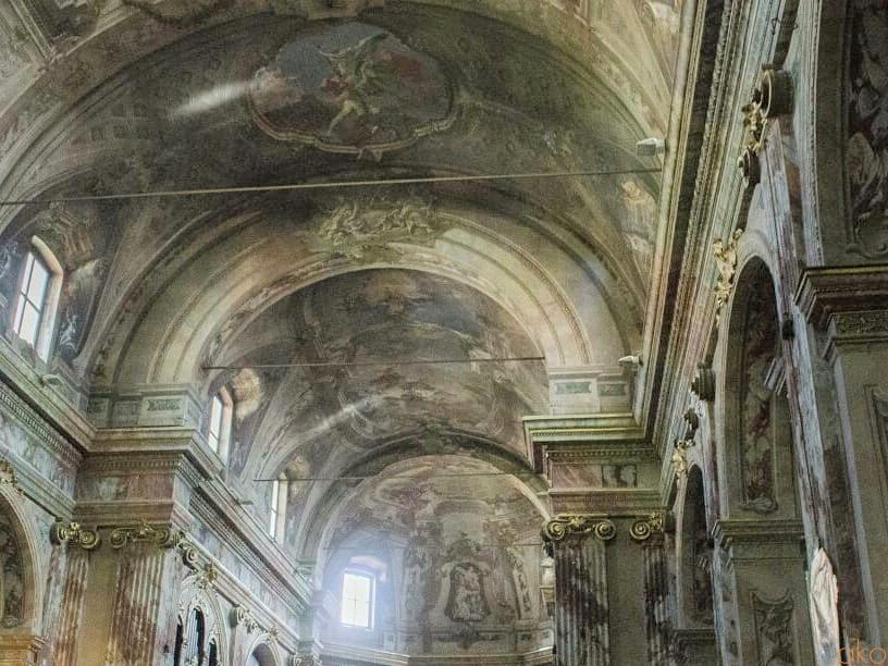 名画の宝庫。ベルガモ、サンティ・バルトロメオ・エ・ステファノ教会 イタリア観光ガイド