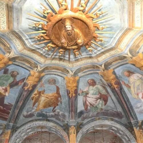 ミラノの軌跡の泉、サンタ・マリア・アッラ・フォンターナ教会|イタリア観光ガイド