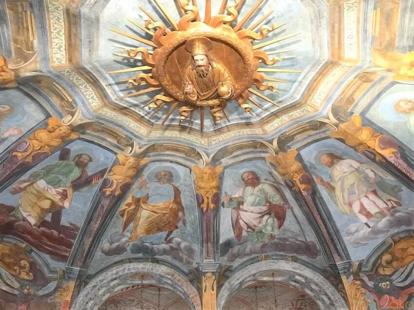 ミラノの軌跡の泉、サンタ・マリア・アッラ・フォンターナ教会 イタリア観光ガイド