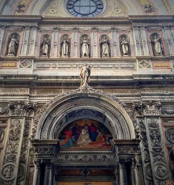 美しすぎる外観。ジェノヴァ、サンタ・マリア・インマコラータ聖堂|イタリア観光ガイド