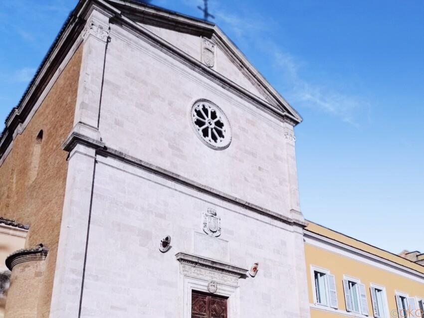 ジャニコロの丘で。ローマ、サン・ピエトロ・イン・モントリオ教会 イタリア観光ガイド