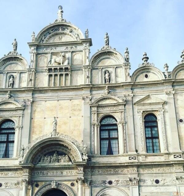 お城のような集いの場。ヴェネツィア、聖マルコ同信会館|イタリア観光ガイド