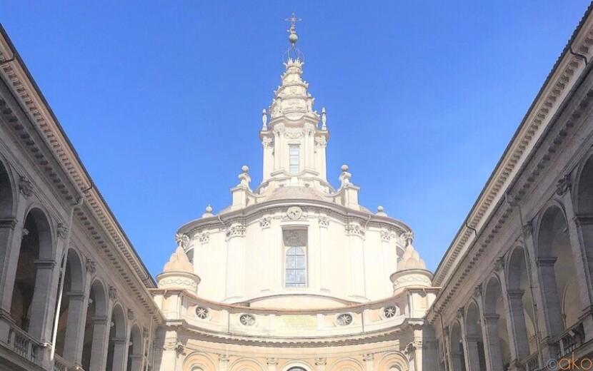 日曜朝の楽しみ。ローマ、サンティーヴォ・アッラ・サピエンツァ教会|イタリア観光ガイド