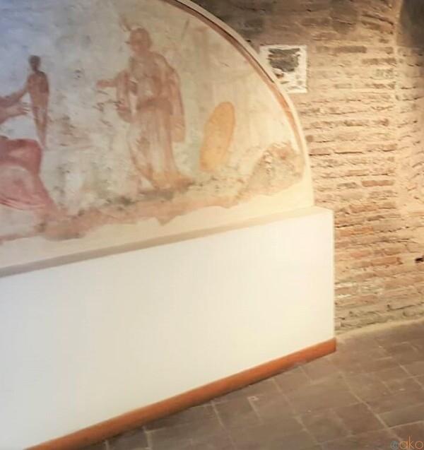 古代ローマ遺跡の中にある!ローマ、オスティエンセ博物館|イタリア観光ガイド