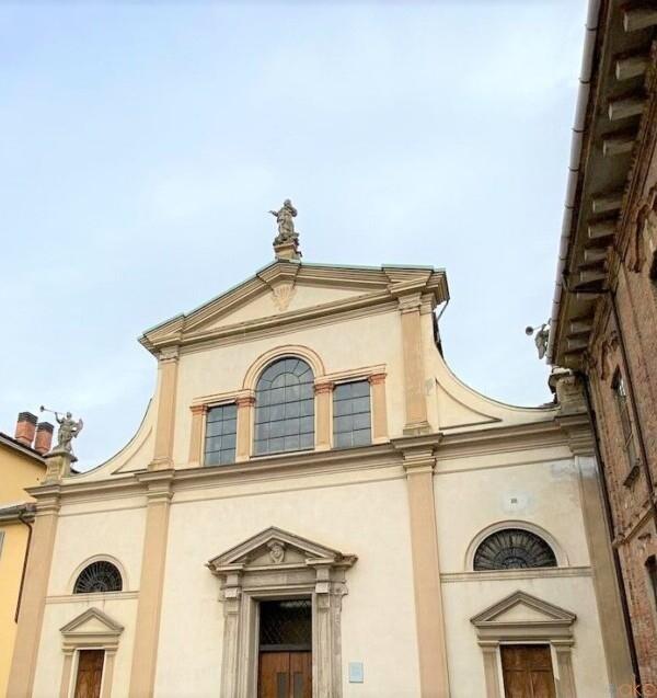 彫刻が必見。モンツァ、サンタ・マリア・アル・カッロービオロ教会|イタリア観光ガイド