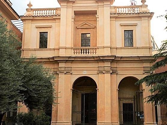 駅の近くでベルニーニを愛でる。ローマ、サンタ・ビビアーナ教会|イタリア観光ガイド
