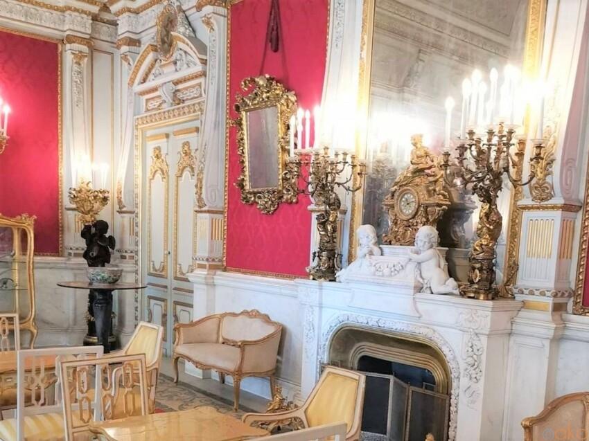 ナポリの貴族の館にお邪魔します!ヴィラ・ピニャテッリ イタリア観光ガイド