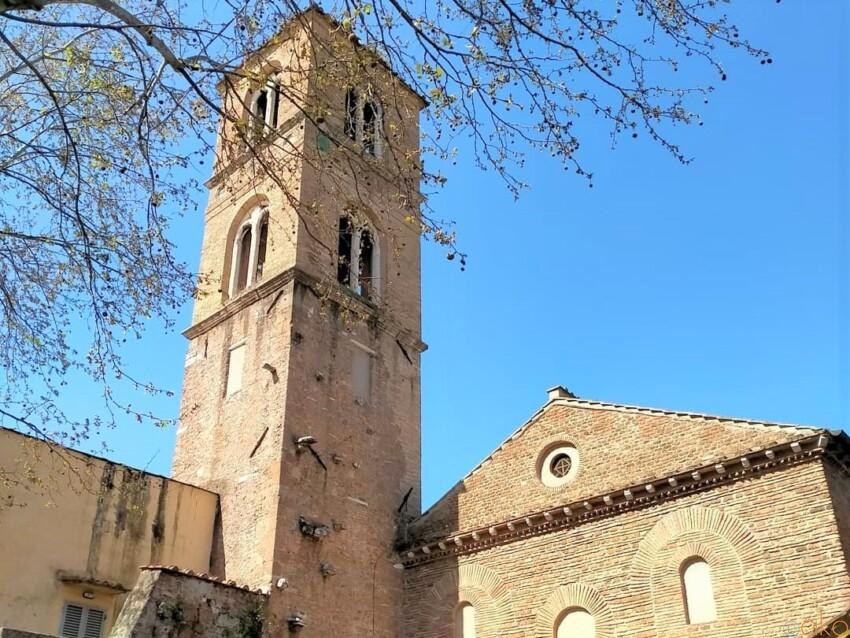 アグネスに捧ぐ。ローマ、サンタニェーゼ・フォーリ・レ・ムーラ教会|イタリア観光ガイド