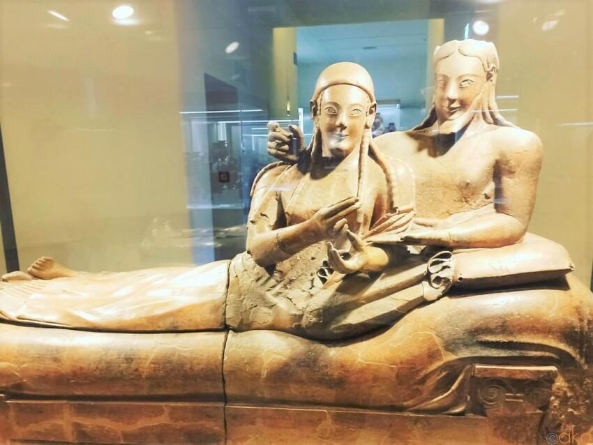 エトルリア文明を知る。ローマ、ヴィラ・ジュリア国立博物館 イタリア観光ガイド