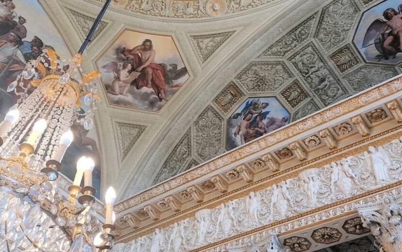 ローマ、ヴィッラ・トルロニアのカジーノ・ノービレ(貴族の館)|イタリア観光ガイド