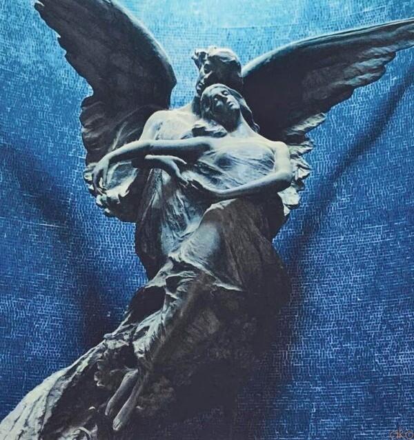 機会があったら行ってほしい!ボローニャ、チェルトーザ記念墓地|イタリア観光ガイド