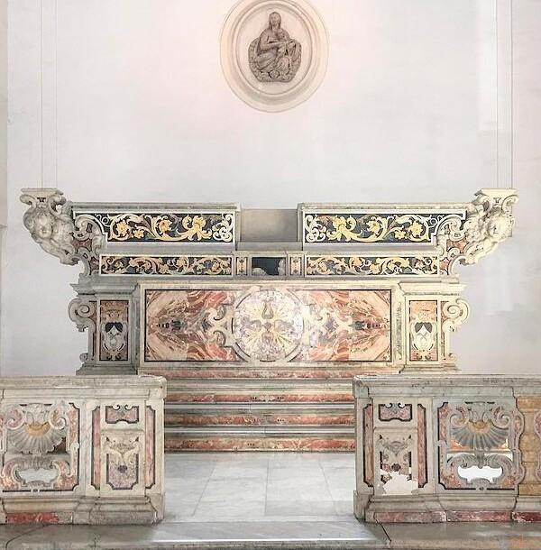 ナポリの元教会、サン・セヴェーロ・アル・ペンディーノ教会|イタリア観光ガイド