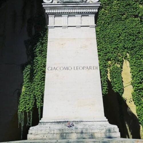詩人が眠る。ナポリ、ヴェルジリアーノ・ア・ピエーディグロッタ公園|イタリア観光ガイド
