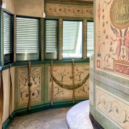 ヴェネツィア広場の目の前の邸宅!ローマ、パラッツォ・ボナパルテ|イタリア観光ガイド