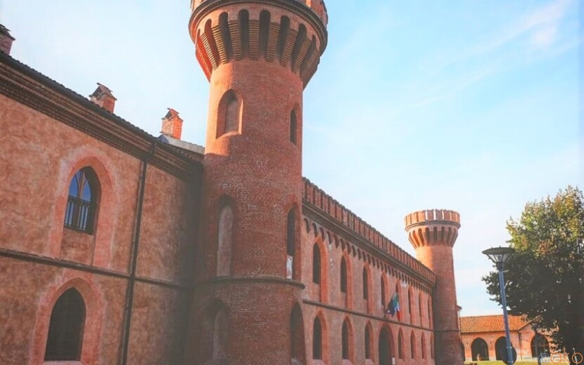 ピエモンテ州の世界遺産、ポッレンツォ城に行ってきました!|イタリア観光ガイド