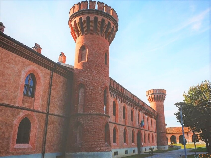 ピエモンテ州の世界遺産、ポッレンツォ城に行ってきました! イタリア観光ガイド