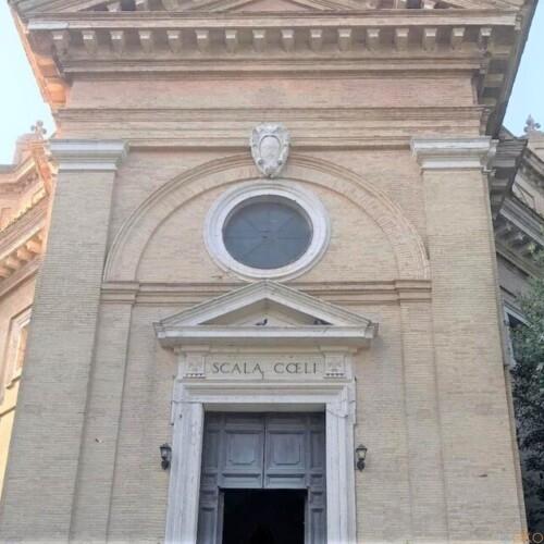 由来は天国への階段!ローマ、サンタ・マリア・スカラ・チェーリ教会|イタリア観光ガイド