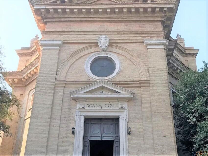 由来は天国への階段!ローマ、サンタ・マリア・スカラ・チェーリ教会 イタリア観光ガイド