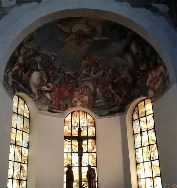 ローマ、サン・ジョヴァンニ・ア・ポルタ・ラティーナ教会|イタリア観光ガイド