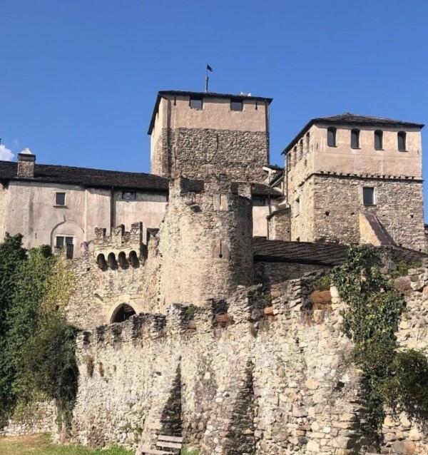 ヴァッレ・ダオスタ州サリオ・ドゥ・ラ・トゥール城|イタリア観光ガイド